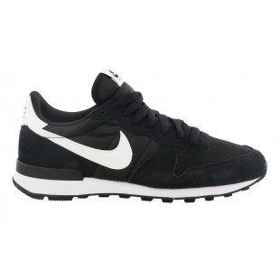 Nike Internationalist...