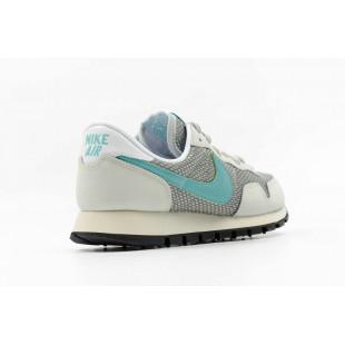 Nike Wmns Air Pegasus 83...