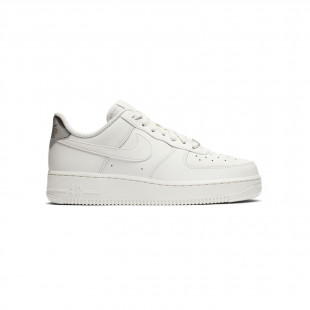 Nike Wmns Air Force 1 '07...